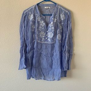 !!NEW!! LIKE NEW! maurices Embroidered Blouse